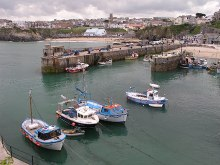 Newquay beach & harbour, Cornwall © Alan Fleming